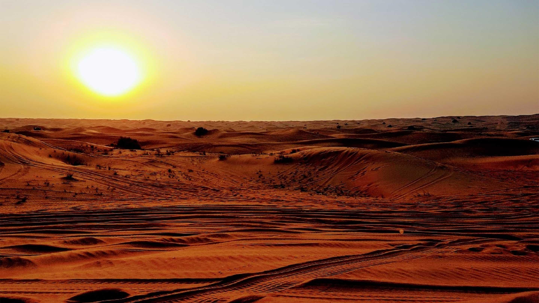16-9 Photo Copy of Dubai Desert