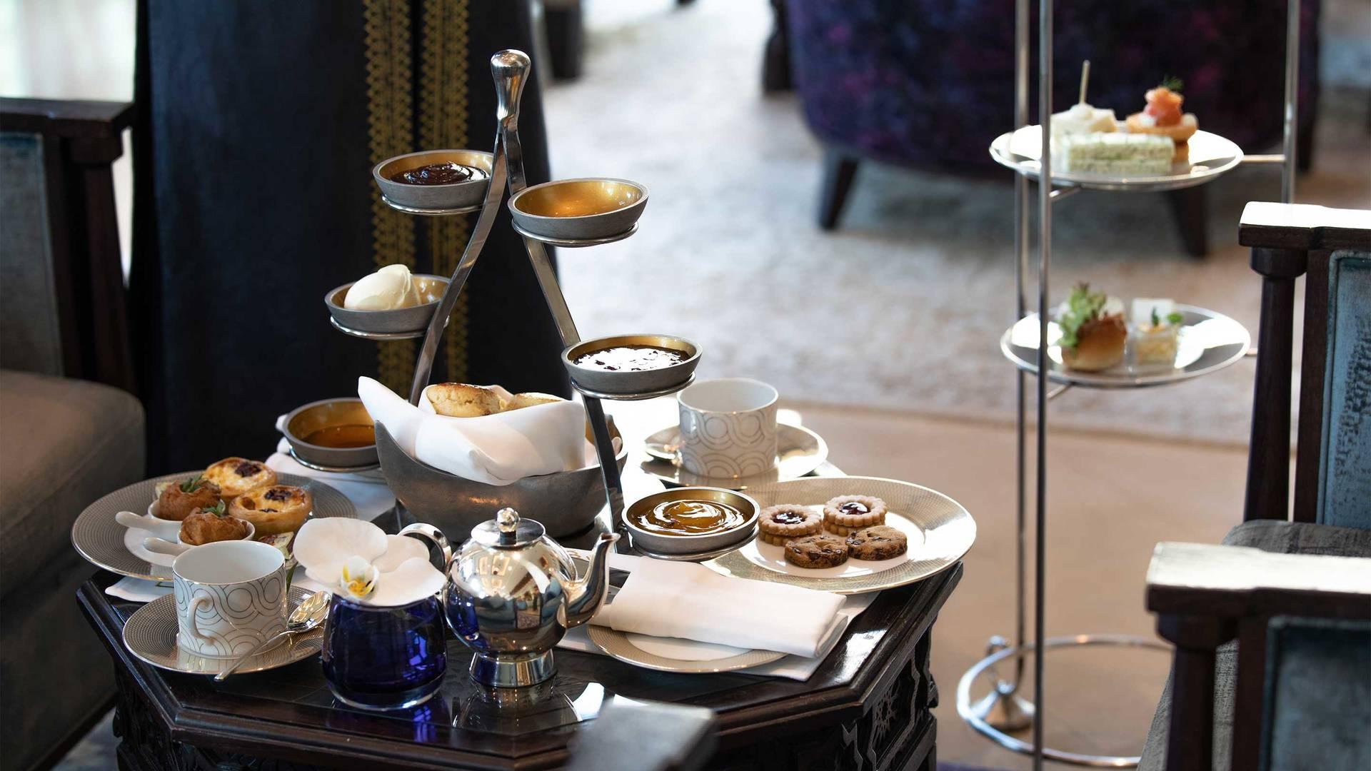 16-9_ Gallery_Jumeirah-Mina-A-Salam---Al-Samar-Lounge-Afternoon-Tea-2