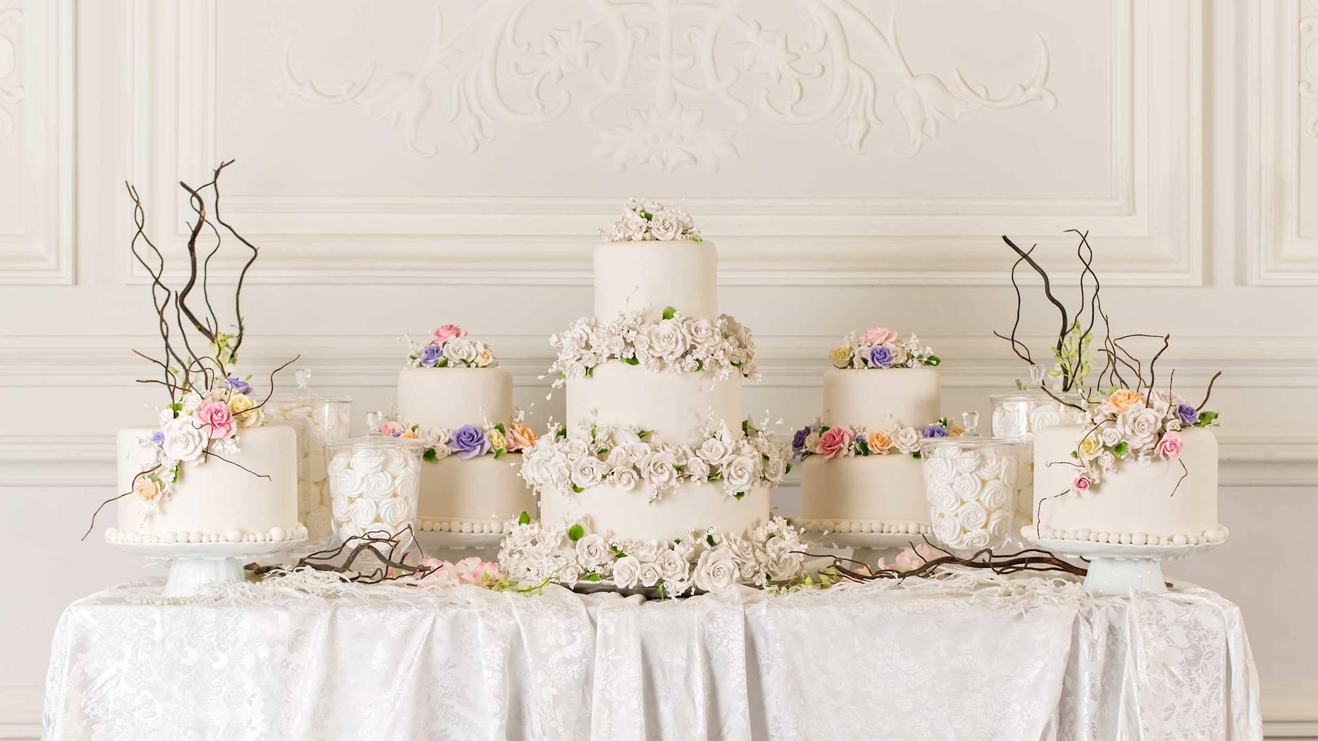 16-9_ Jumeirah-Zabeel-Saray---Wedding-Cake