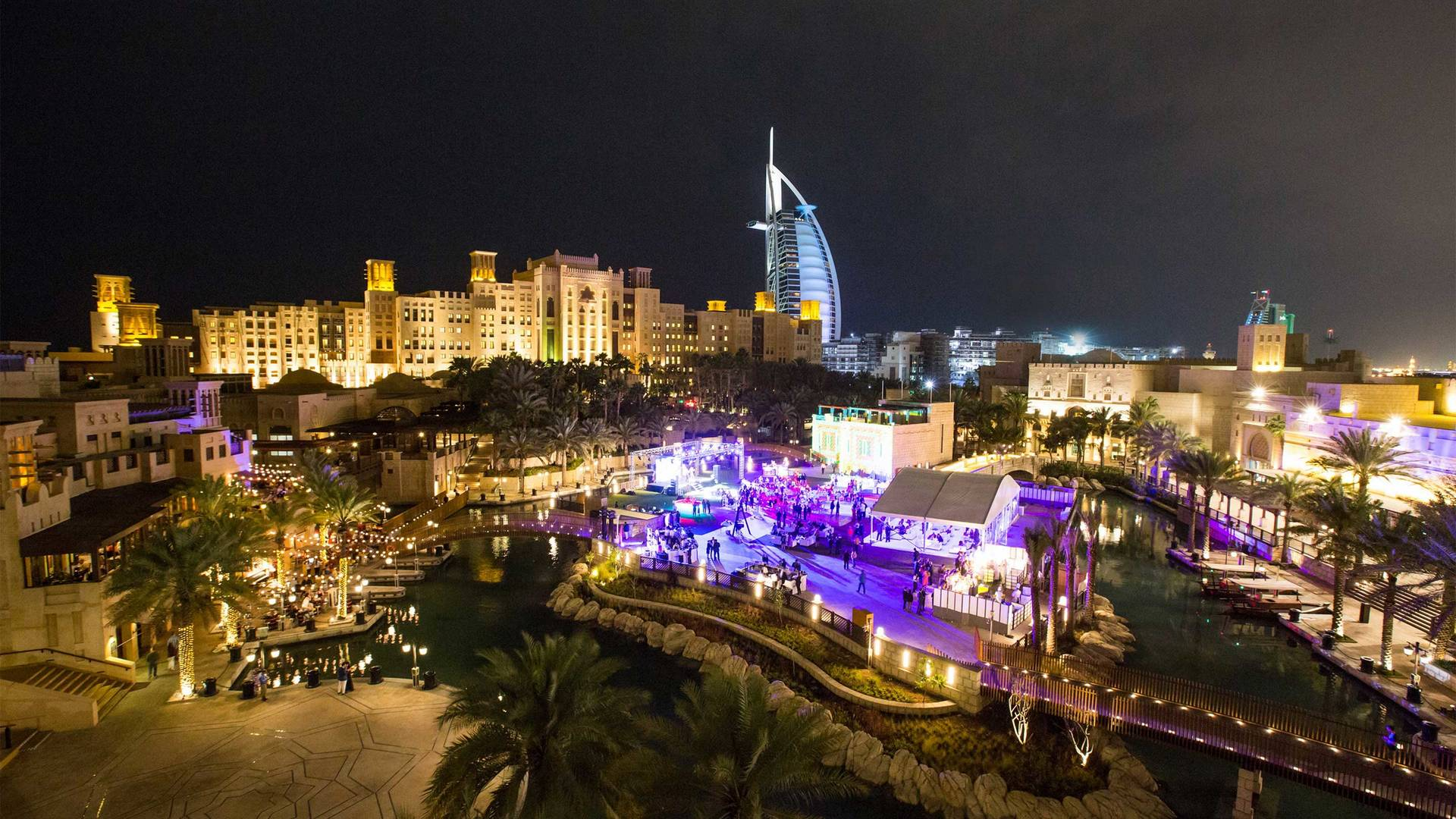 16-9 Hero---Madinat-Jumeirah---Fort-Island---night-panorama