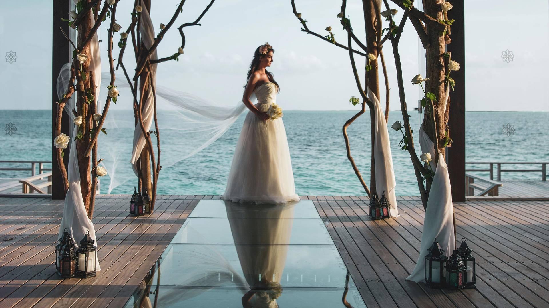 Lady during her wedding at Jumeirah Vittaveli hotel