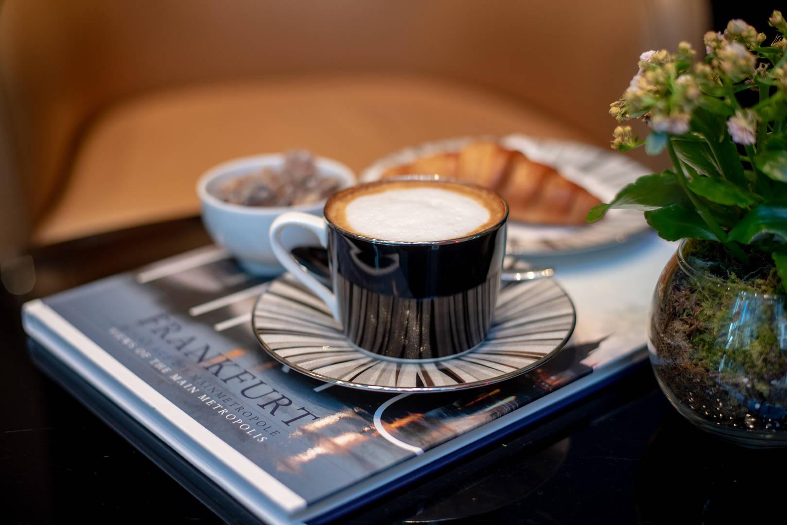 Jumeirah Frankfurt Ember Bar & Lounge coffee